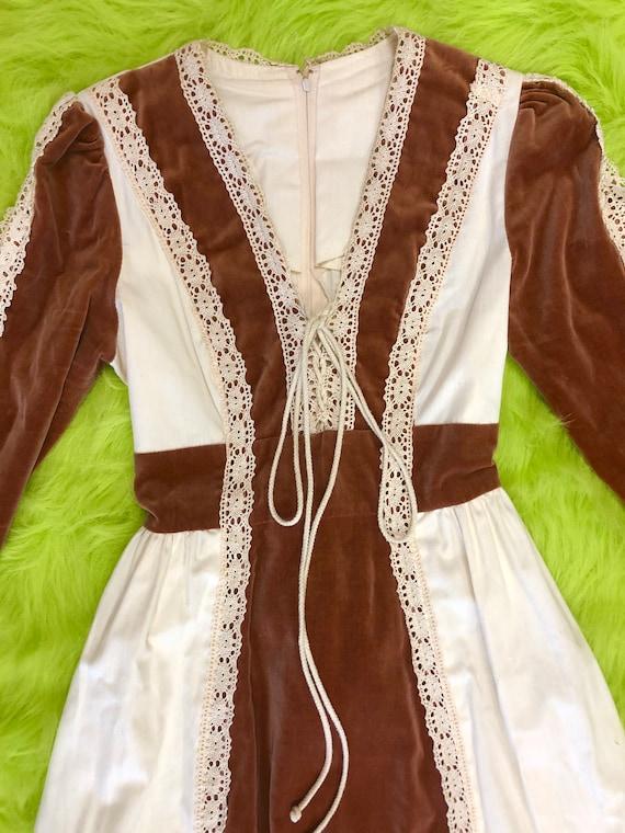 1970s Gunne Sax Maxi Dress - image 2