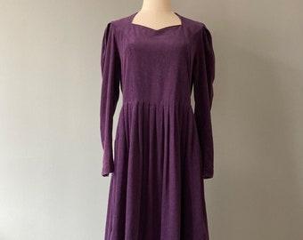 Laura Ashley 1980s purple velvet dress, puffy long sleeves / medium