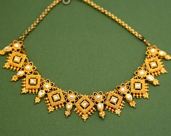 Vintage Victorian Gold Tone Rhinestone Choker Necklace 15 Inches K4