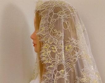 Ambrosia Veil, half-circle, ivory/gold chapel veil