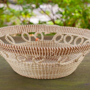 Basket with loops