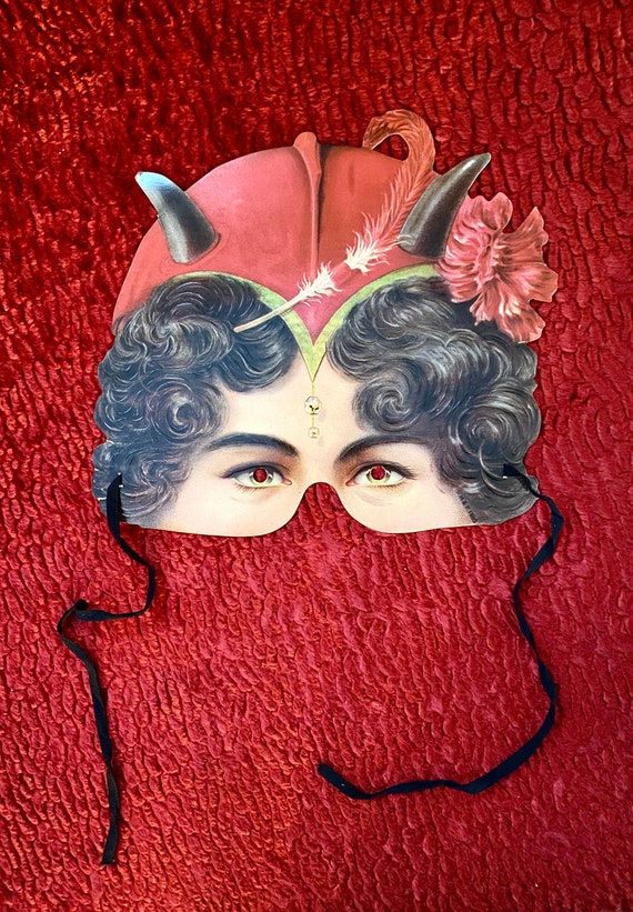 Madame Tussaud's Victorian mask, Embossed Lady Dev