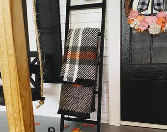 Dollhouse Blanket Ladder for 1:12 Miniatures   Miniature Blanket for Autumn Black Ladder