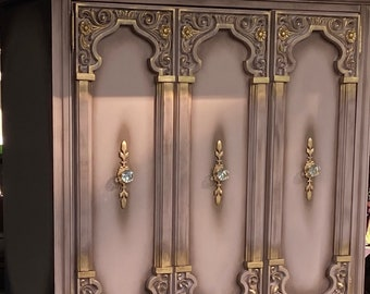 SOLD****Free delivery to NY/NJ Gorgeous Glamorous Armoire
