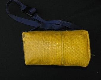 Yellow Fanny 'grey zip'