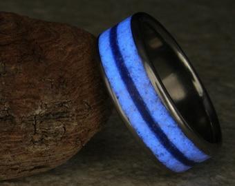 B9 Titanium ring glow in the dark with lapis lazuli and howlite
