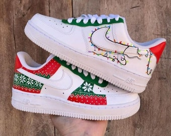 AF1 customized for this Christmas season, to combine with your partner, painted totally by hand