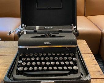 typewriter working
