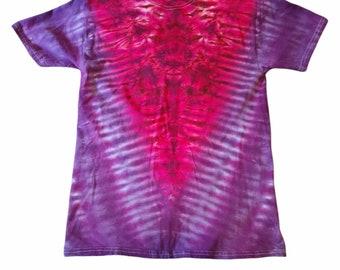 "Tie dye handmade ""V"" medium cotton tee"