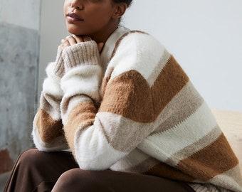 Oversized Pullover mit V-Ausschnitt aus alpaca-woll-mix. Alpaca sweater