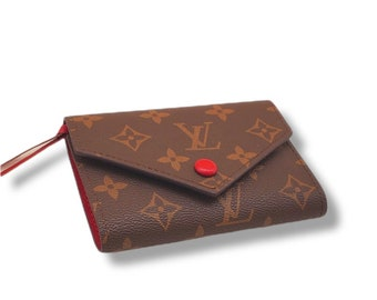 Women's Leather Wallet Small With Button