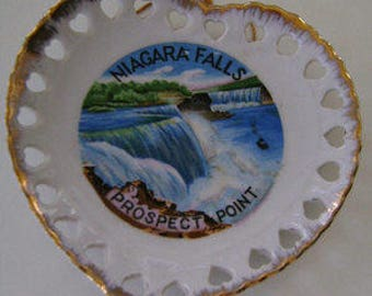 Vintage Souvenir Plate Niagra Falls, NY Heart Shaped