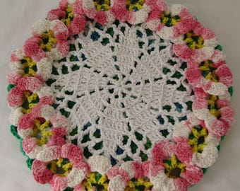 Hot Mat/Trivet/Pot Holder Grandmas Flowers Double Thickness 100% Cotton Yarn