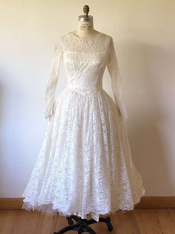 1950's Lace & Tulle Wedding Gown