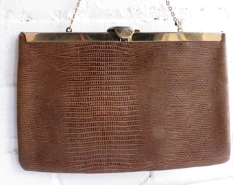 Brown Leather Textured Handbag with Gold Hardware and snap Clasp. Vintage  Brown Leather Purse. Mid Century Handbag. Leather clutch. eb52c4d6dfa71