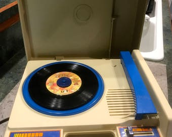 Vintage 1978 Fisher Price Record Player Model 825 Blue 33 RPM and 45 RPM