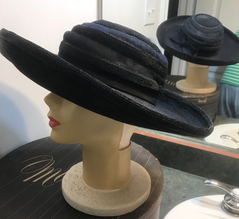Vintage Woven Navy Blue Cartwheel Hat with Rolled Edges 1950/'s