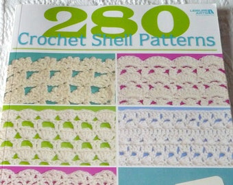 Crochet pattern book 100 snowflakes to crochet by caitlin crochet pattern book 280 crochet shell patterns by darla sims paperback crochet shells leisure arts color photos free shipping fandeluxe Image collections