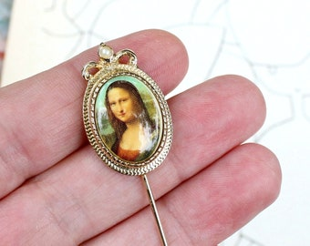 vintage Mona Lisa stick pin by Sarah Coventry, 70s cameo style lapel brooch with simulated pearl