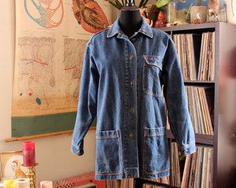 oversized vintage denim jacket, cotton lined denim barn coat, womens chore jacket . boyfriend fit small medium