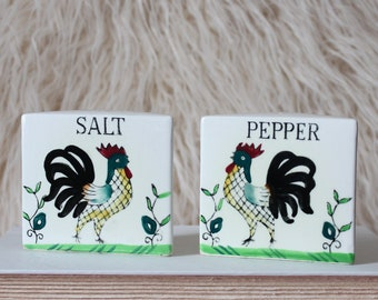 vintage salt and pepper shakers, hand painted roosters ceramic, made in Japan, white triangle farmhouse kitchen decor