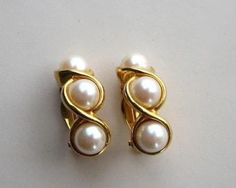signed Richelieu earrings . 3 faux pearls on bright gold . 1980s clip on earrings . designer costume jewelry . bride earrings