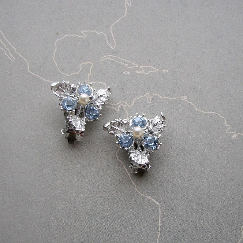 SALE vintage ice blue rhinestone clip on earrings bright image 0