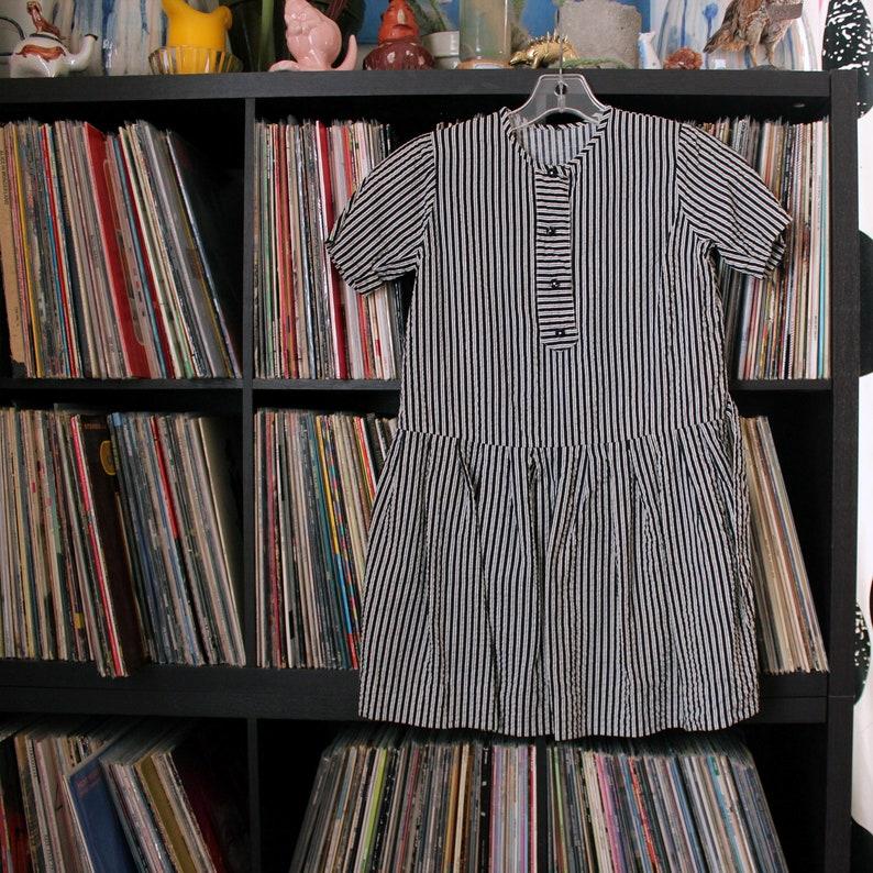 a67aa25c401397 Girls vintage seersucker drop waist dress black and white   Etsy