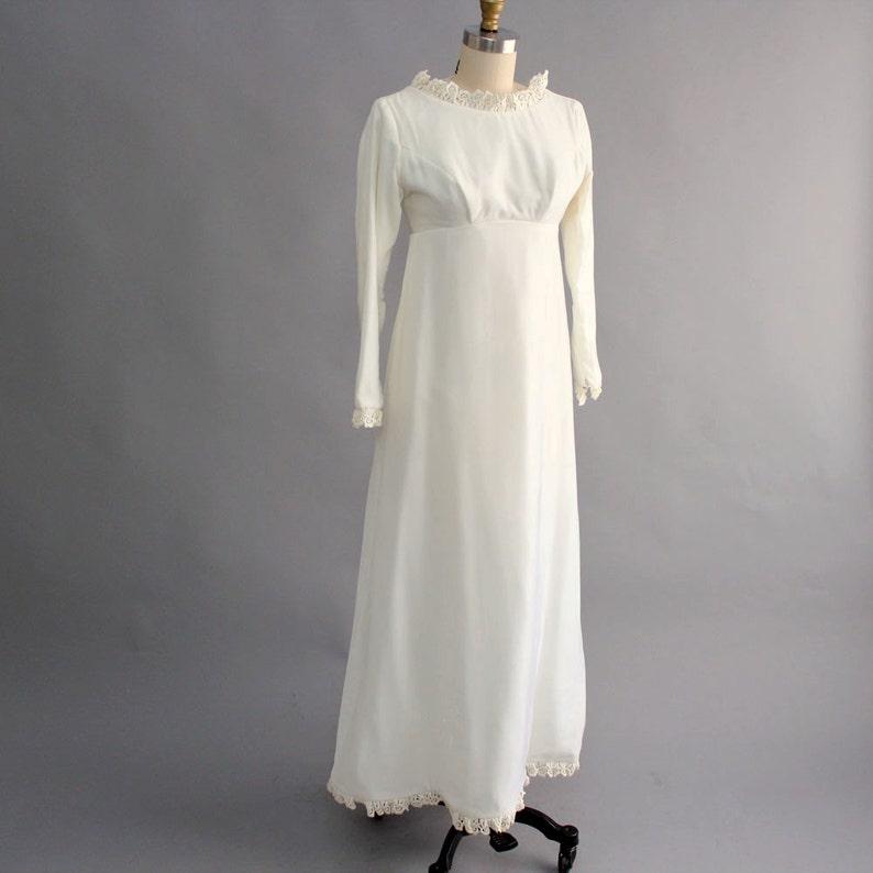 White Velvet Wedding Dresses - Wedding Dress   Decore Ideas 35faa2c96
