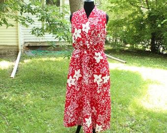 bold print red sundress, womens large xl cotton summer dress . sleeveless surplice neckline full skirt elastic waist . 90s Hawaiian dress