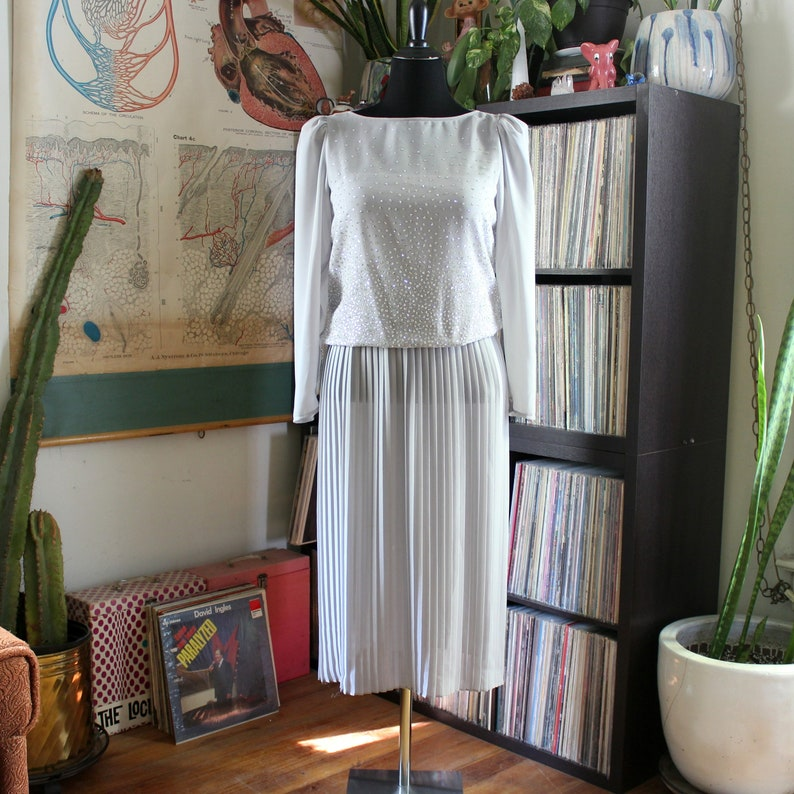 vintage 1980s dress pale gray with sparkly glitter blouson image 0