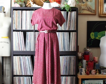 80s does 40s 50s vintage shirtwaist dress, garnet red with white polka dots