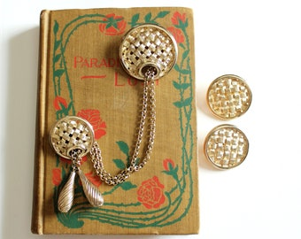 """60s vintage basket weave chatelaine brooch and earrings set by Sarah Coventry, gold tone metal, convertible swag chain """"Woven Classic"""" 1964"""