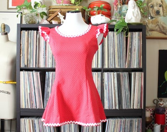 vintage 70s ruffle top, red with white polka dots & rikrak trim, womens small