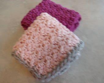 Set of 2 crocheted washcloths