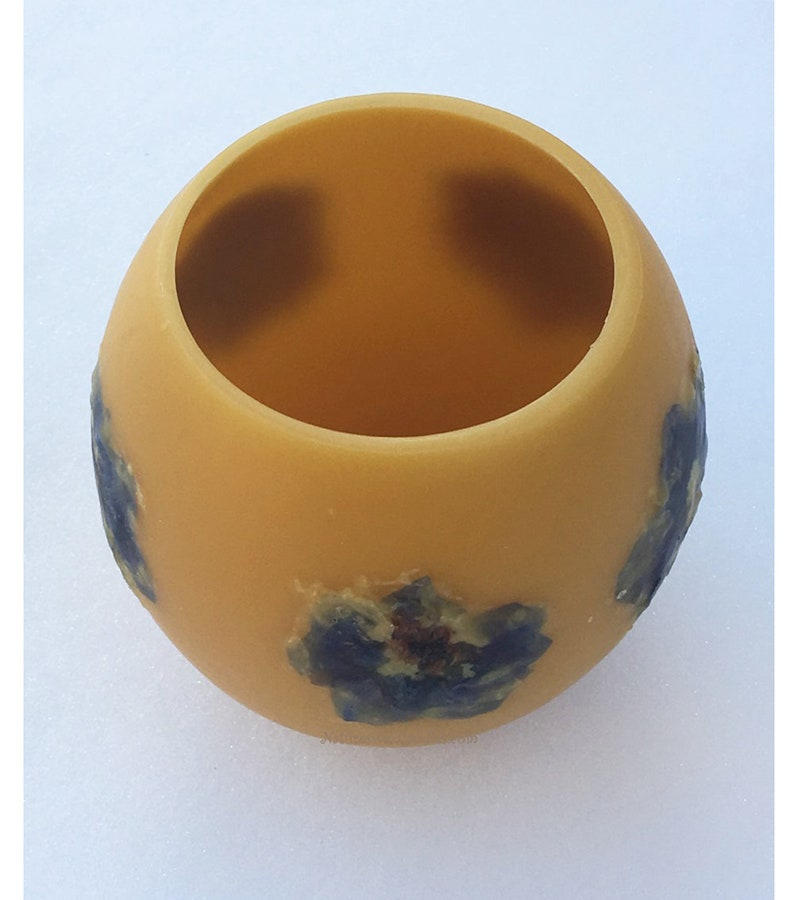 Candle gift Pressed Flowers Beeswax Flameless Candle image 0
