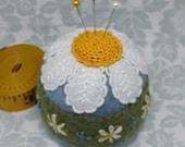 IN STOCK - Summer daisies Floral Large Bottlecap Pincushion