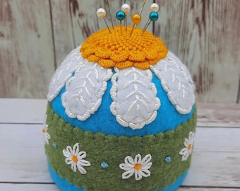 Made to order - Summer daisies Floral Large Bottlecap Pincushion