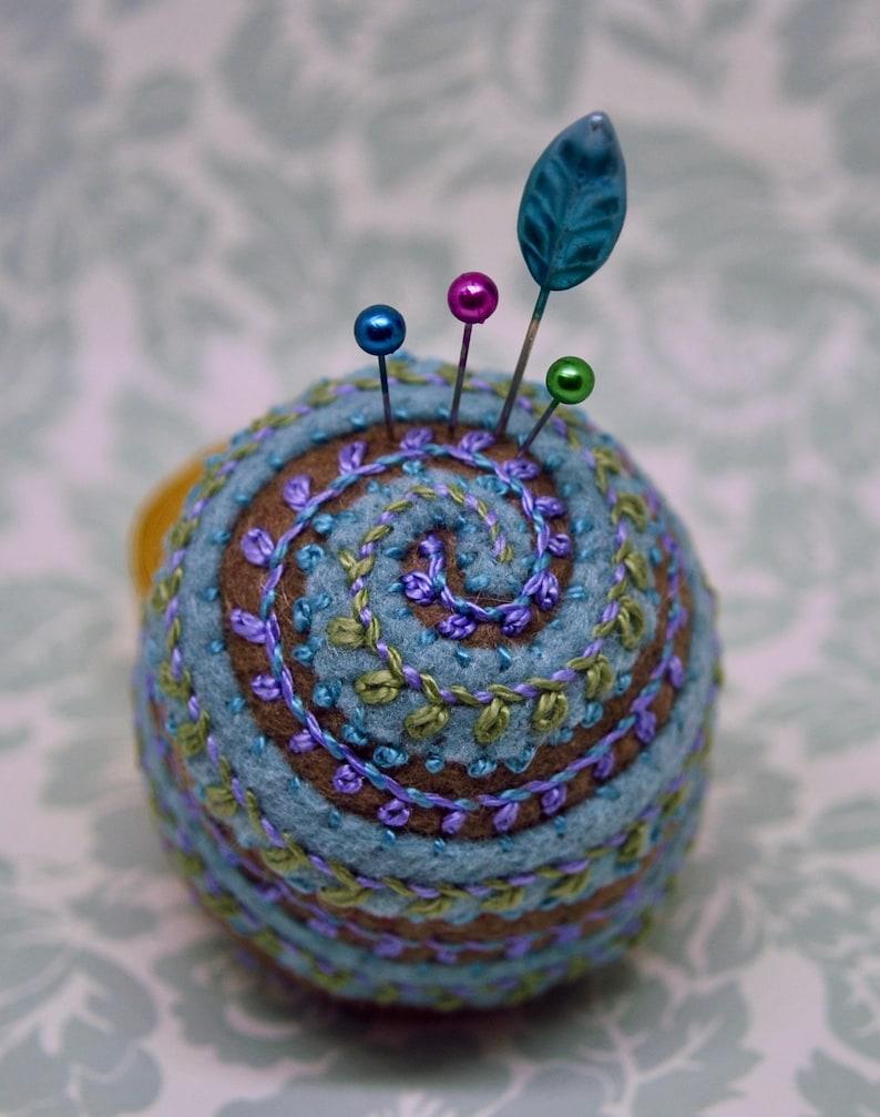IN STOCK free us ship  Graceful Spiral leaved medium image 0