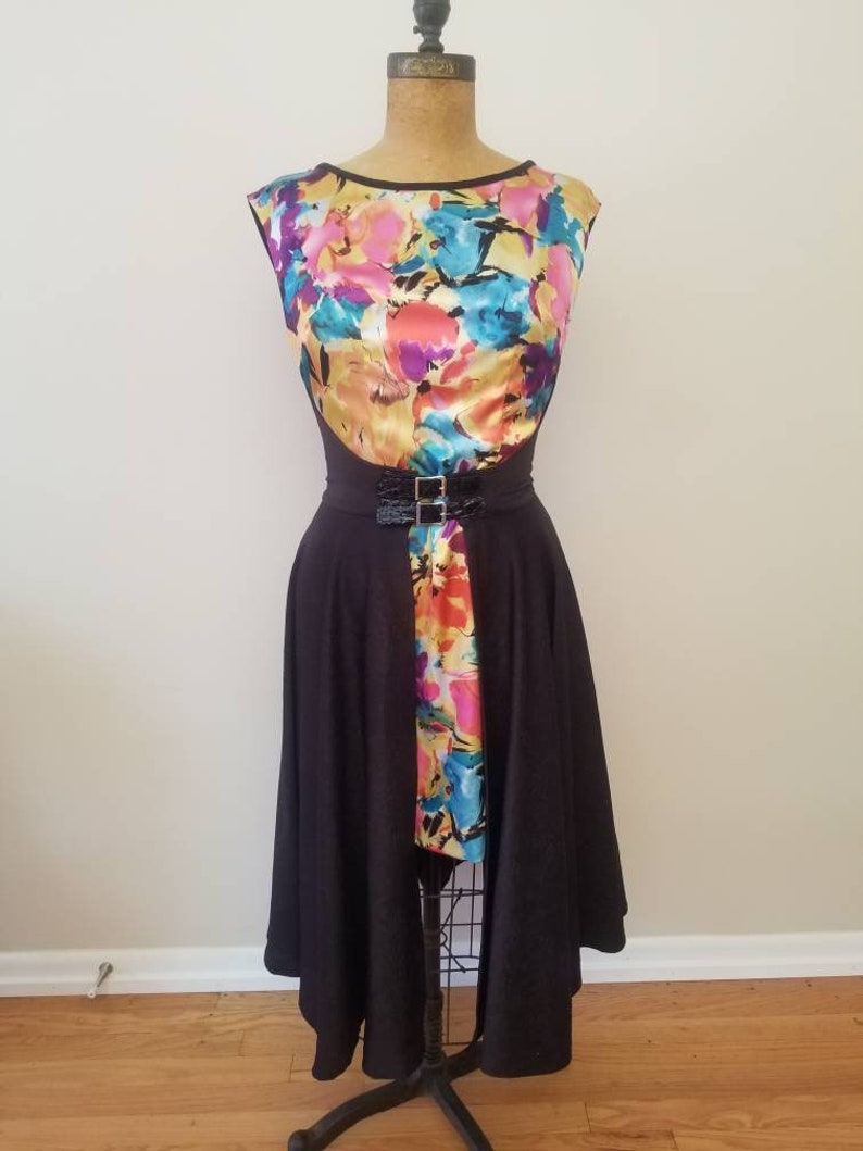READY TO SHIP wrap dress with Floral print sizes Medium and image 0