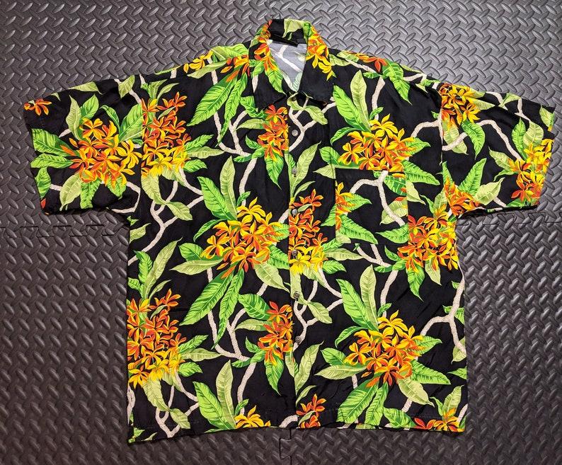 100/% Rayon Size Large. Vintage 1950s Aloha Print Men/'s Hawaiian Autumn Gold Island Floral