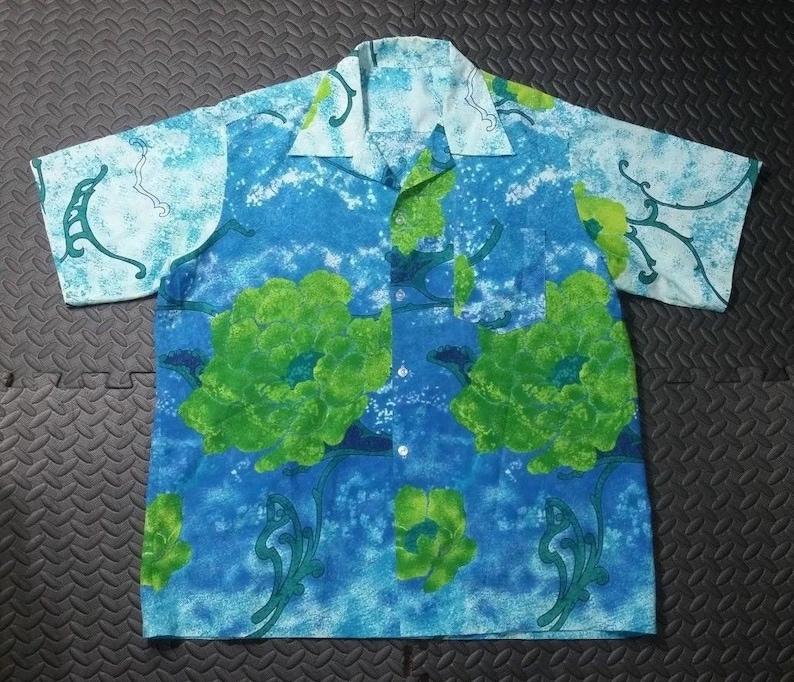 cc86f119 Vintage Hawaiian Men's Shirt sz LARGE Aloha 1970's   Etsy