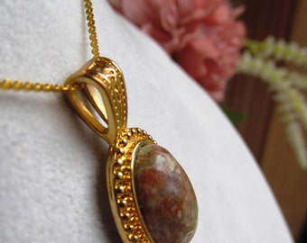 Autumn Jasper 16x12mm Oval Cabochon Pendant in Gold-Plated Rope Design and Chain