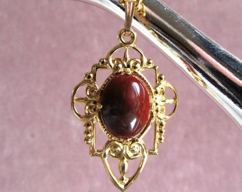 Brecciated Jasper Cabochon 14x10 mm Gold-plated Deco Style Gold-plated Pendant