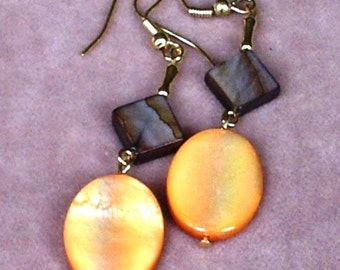 Double Dangle Earrings of Dyed Mother of Pearl on Gold Plated Wires