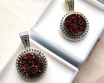 12mm Red Druzy Quartz Cabochon Silver Plated Rope Design Pendant with Silver Plated Chain