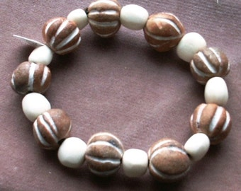 Porcelain Gourds and Bone Beads Stretch Bracelet