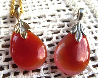 Carnelian Teardrop Bead Pendant Necklace in Gold or Silver Finish