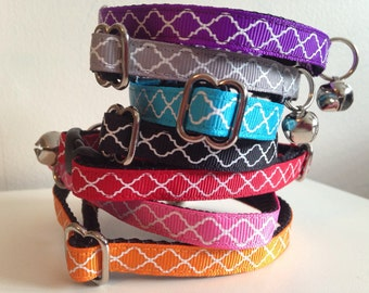 Single Layer Quatrefoil Cat Collar Purple, Gray, Turquoise, Black, Red, Pink or Orange
