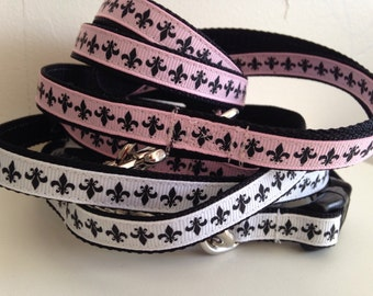 Small 1/2 Inch Pink or Black and White Fleur de Lis Leash and Collar Set